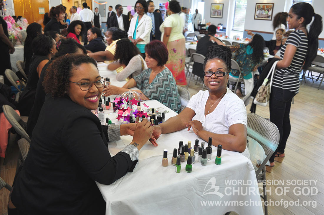 World Mission Society Church of God, WMS, Philadelphia, PA, Pennsylvania, Mother's Day Luncheon, Mothers, Makeup