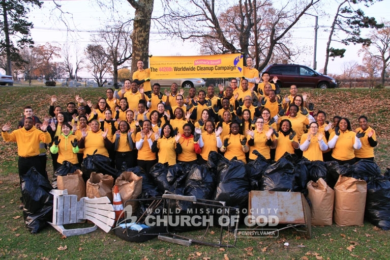 World Mission Society Church of God, wmscog, Mother's Street, cleanup, movement, mother, campaign, trash, garbage, leaves, volunteers, volunteerism, unity, global, world, Pennsylvania, pa, Philadelphia, christian